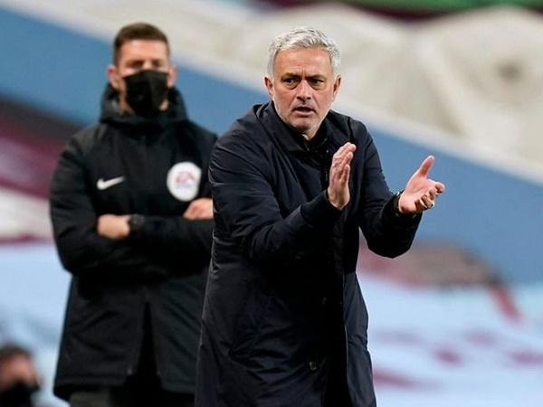 Bóng đá quốc tế sáng 29/3: Mourinho truy tìm kẻ 'đâm lén' mình ở Tottenham