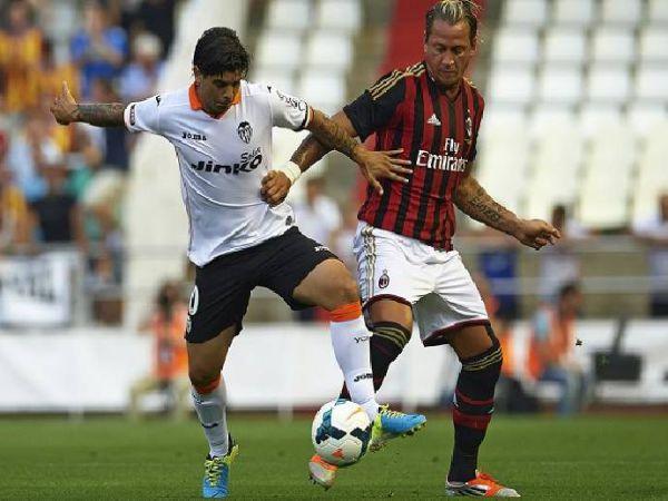 Soi kèo Valencia vs AC Milan, 01h30 ngày 5/8 - Giao Hữu